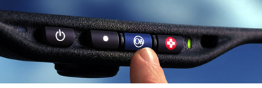 Dispozitivul de monitorizare are comanda pozitionata pe retrovizoare