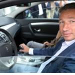 Dan Petrescu are un Renault Laguna Coupe