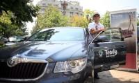 VIP - dinamovistul Francisco Molinero conduce Skoda Superb
