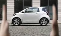 toyota-iq-lateral